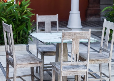 Distressing Table and Chairs project, Piedmont
